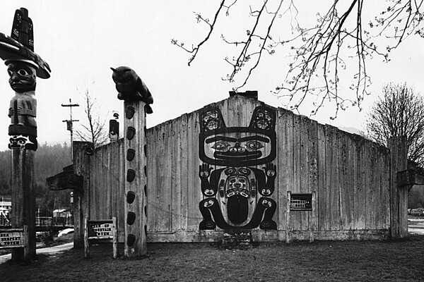 Chief Shakes Tribal House